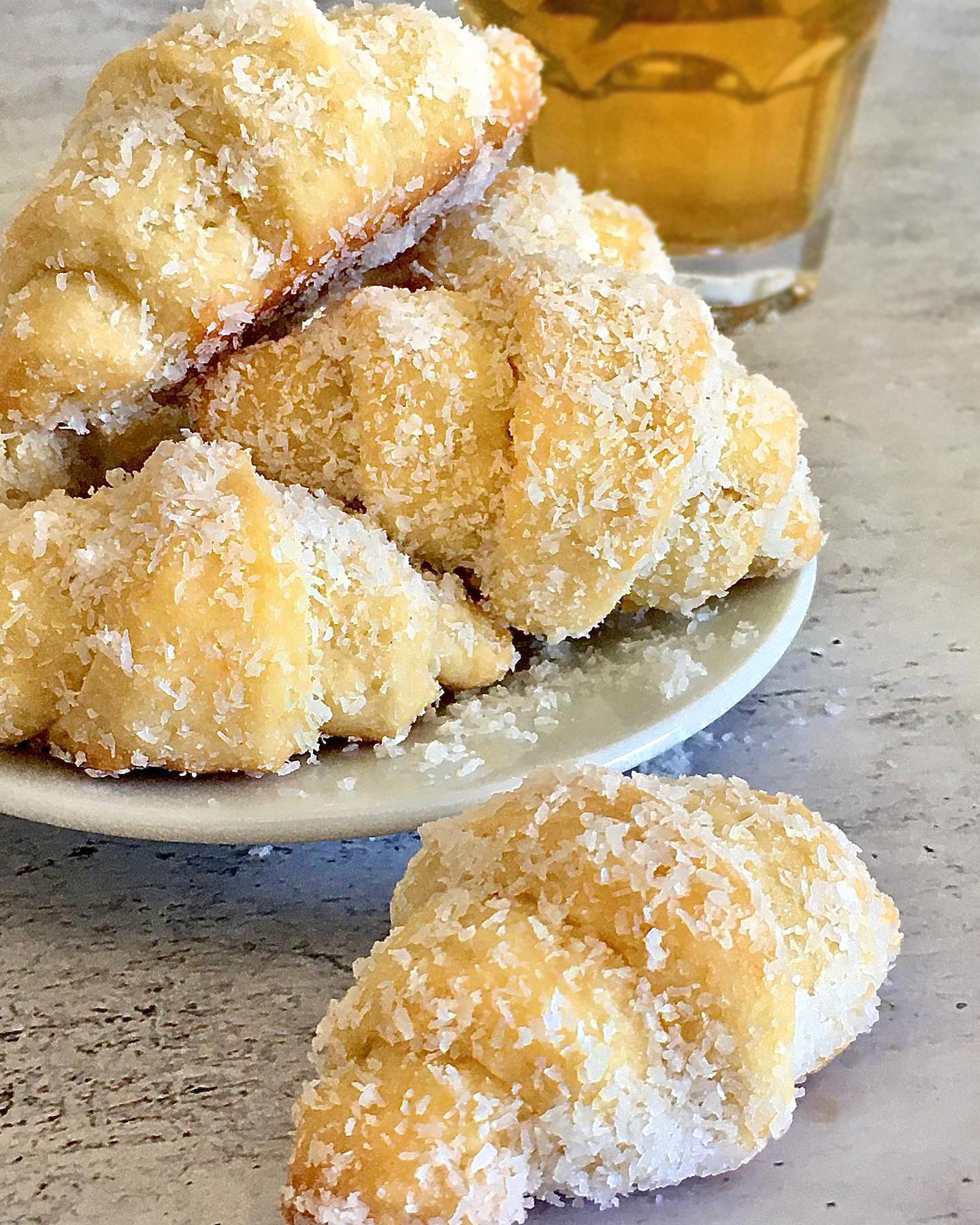 עוגיות קרואסון קוקוס | צילום: ספיר דהן