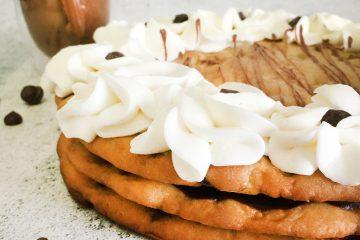 עוגת שכבות שוקולד צ'יפס | צילום: ספיר דהן