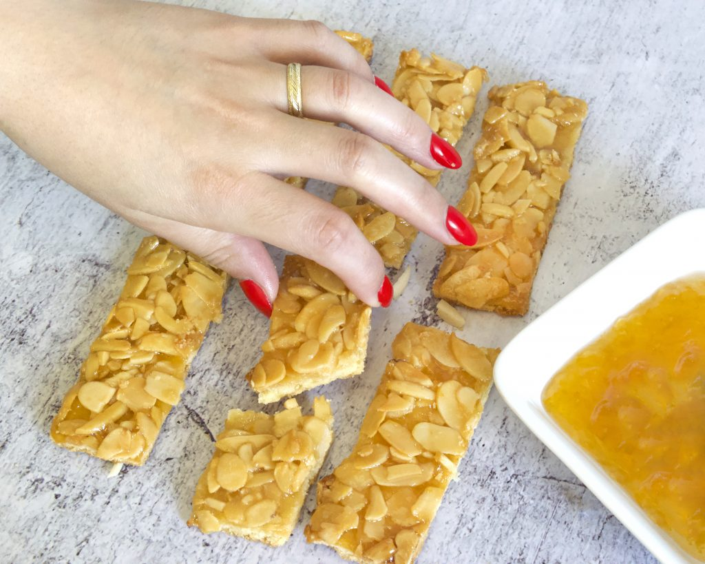עוגיות פלורנטין עם ריבת משמש | צילום: ספיר דהן