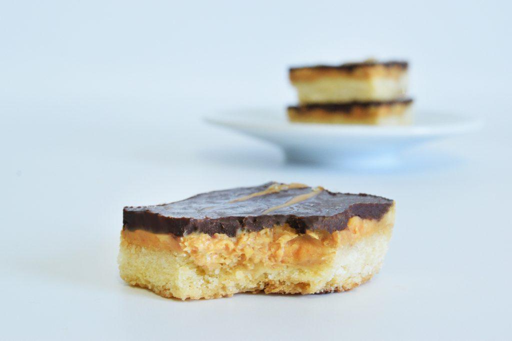 חטיפי חמאת בוטנים ושוקולד | צילום: ספיר דהן