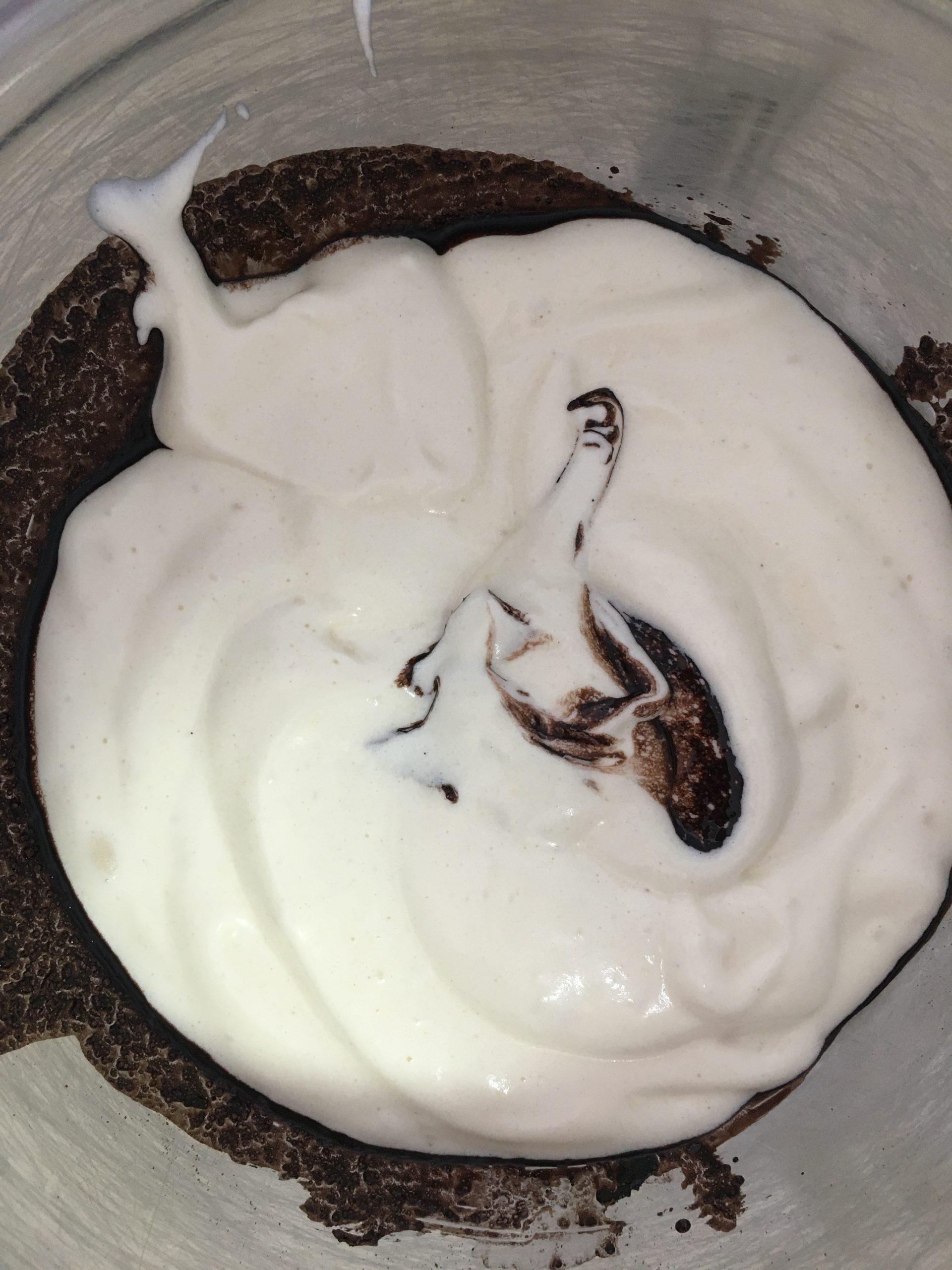 עוגת שיש שוקולד וניל | צילום: ספיר דהן
