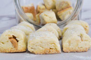 עוגיות ביס עם שקדים ואגוזים | צילום: ספיר דהן