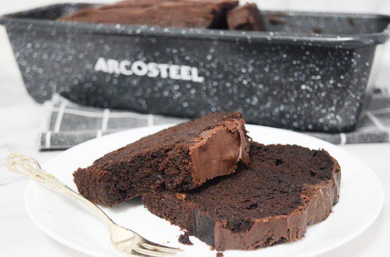 עוגת שוקולד בחושה פשוטה ועשירה (פרווה) | צילום: ספיר דהן