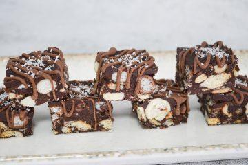 ריבועי שוקולד וכדורי קליק | צילום: ספיר דהן