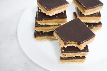 חטיפי שוקולד וקרמל | צילום: ספיר דהן
