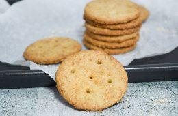 עוגיות שיבולת שועל קריספיות   צילום: ספיר דהן